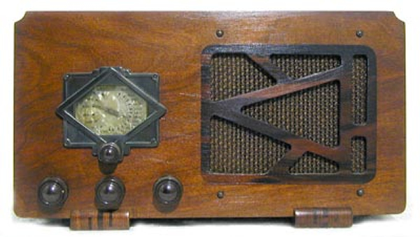 An early radio set