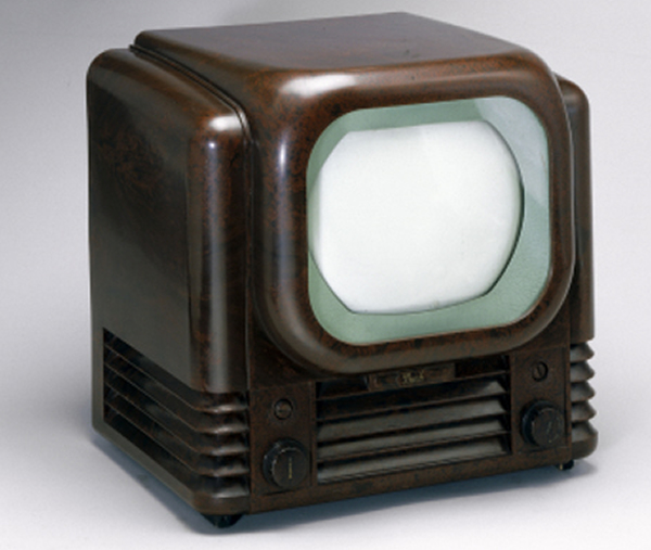 An early TV set