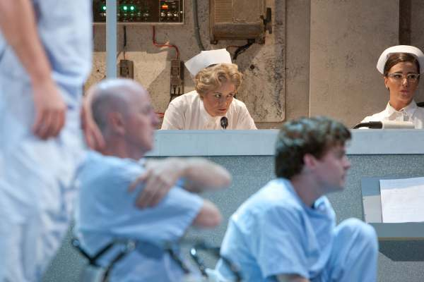 One Flew Over The Cuckoos Nest, 2011, Curve. Photo © Jonathan Keenan